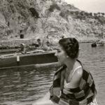 Maria Callas in barca a Ischia nel 1956