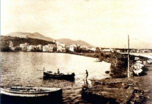 """Ischia Ponte ai piedi del Castello Aragonese (La """"Calata"""")"""