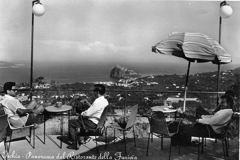 Ischia panorama dal ristorante della funivia al Montagnone