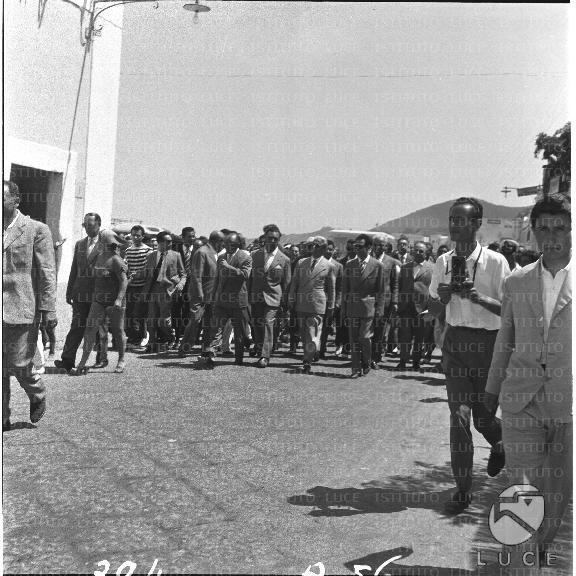 Arrivo a Ischia del presidente della Repubblica Gronchi (1957)